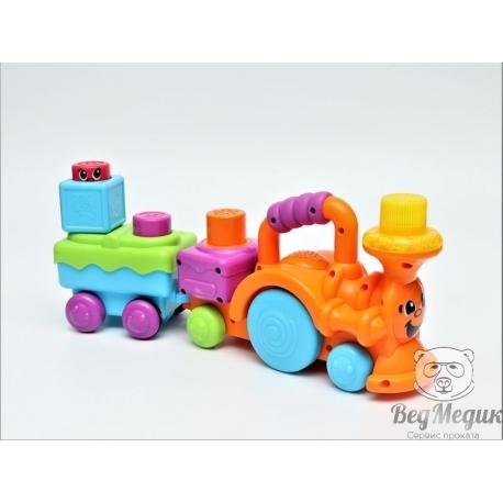 Веселый паровозик с кубиками-блоками Fisher Price.